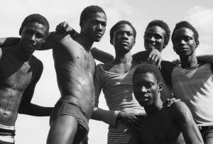 A la plage, Malick Sidibe Web Header_0